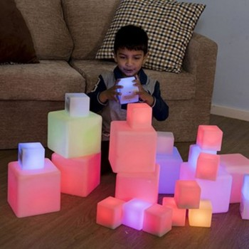 Lot de 12 cubes lumineux